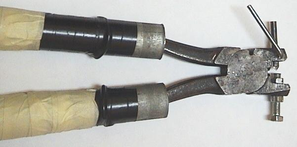 Image: tongs02.jpg