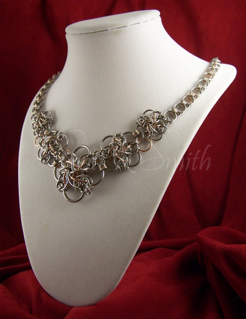 Graduated Cynister and Helm Chain Necklace 03